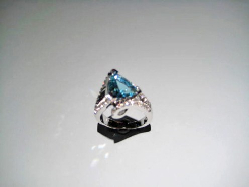 14K White Gold with Aquamarine and Diamond Artist: Mark Schneider Catalog: 609-27-3