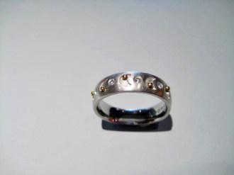 Platinum and 18K Gold Ring with Diamond Artist: Rodolph Erdel Catalog: 602-48-7