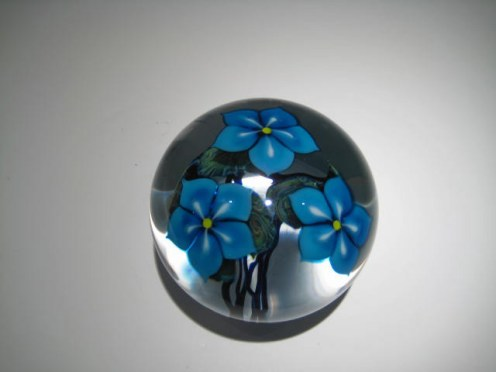 Blue Floral Paperweight Artist: David Lotton Catalog: 614-15-5