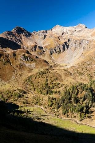 Keinprechthütte a masiv Rotmandlspitze, přes který se ještě musíme dostat... uff.