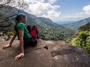 Poslední výhledy do údolí, dál už pokračujeme džunglí