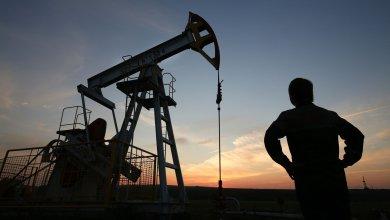"Photo of محللون دوليون لـ""الاقتصادية"": سوق النفط تتجه بقوة لمواصلة المكاسب.. وطفرة ""الأمريكي"" لن تستمر كثيرا"