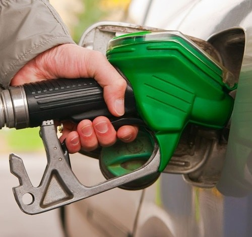 الحكومة تنفي صحة قائمة الأسعار الجديدة المتداولة للوقود
