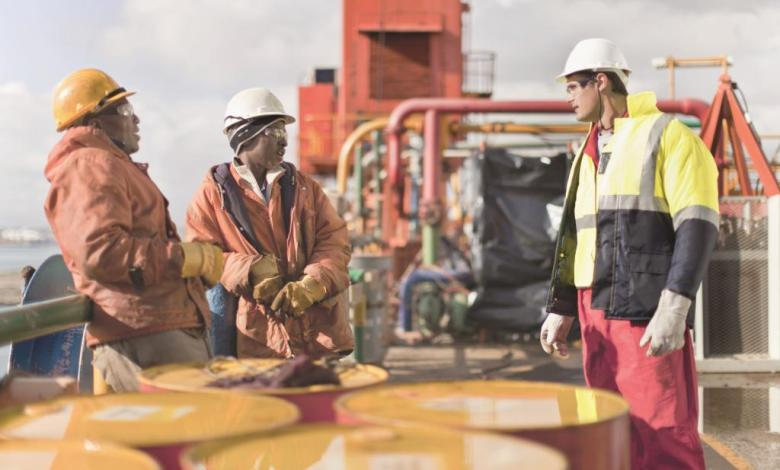 على خطى الأسواق المالية .. النفط يصعد بفضل توقعات تمديد اتفاق خفض الإنتاج