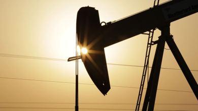 Photo of النفط قرب أعلى مستوى له في 6 أسابيع وسط عاصفة بخليج المكسيك