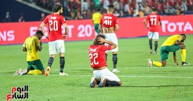 Photo of لاعبو المنتخب يغادرون الفندق بسياراتهم الخاصة بعد توديع أمم أفريقيا