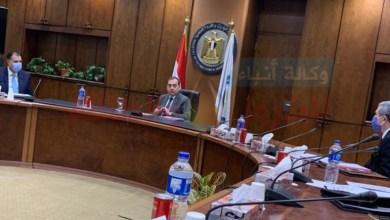 Photo of وزير البترول يعقد اجتماع للاطمئنان على توافر المنتجات البترولية بكافة أنواعها في السوق المحلى