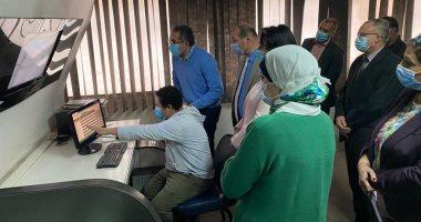 وزير السياحة والآثار يتفقد أعمال مركز تتبع المركبات السياحية GPS التابع للوزارة