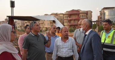 مسئولو الإسكان يتابعون سير العمل بمشروعات تطوير المحاور والطرق بالقاهرة الجديدة