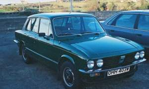 Triumph Dolomite 1850HL in green