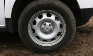 Rear of Dacia Duster Access 1.6 4×4 side Eiger steel wheels