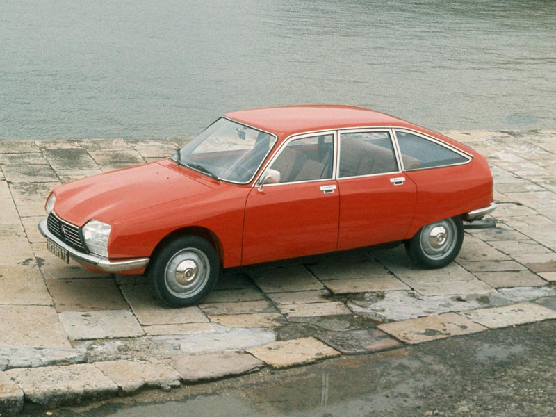 Red Citroen GS