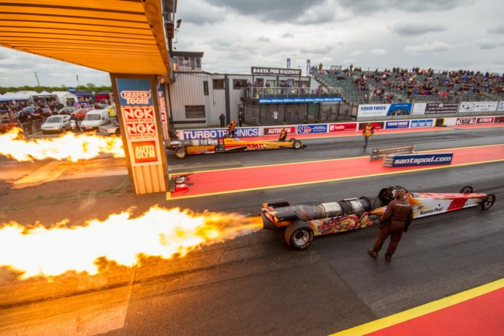 Jet Dragsters on track