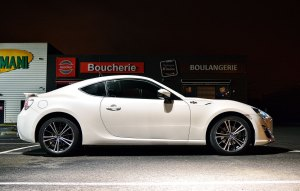 Toyota-GT86-blanche2