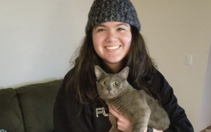 Shelter cat starts new year with a new life thanks to Navy veteran he treats as his VIP