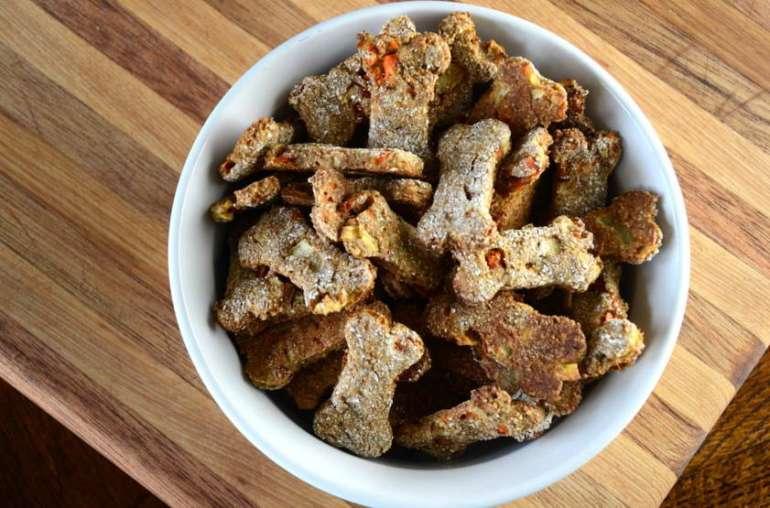 Easy Homemade Dog Treats Recipes