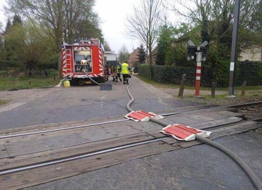 hose-tracks