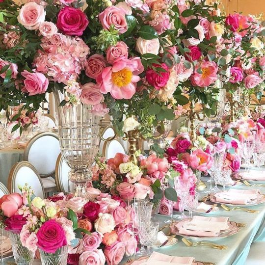 "https://i0.wp.com/pettey-tredoux.co.za/wp-content/uploads/2020/05/Beautiful-Tablescapes-🍽's-Instagram-post_-""Everything's-Rosy-at-@graydonhall_couturecuisine-🌺🌸🌹-•-📸-@rachelaclingen"".jpg?resize=540%2C540&ssl=1"