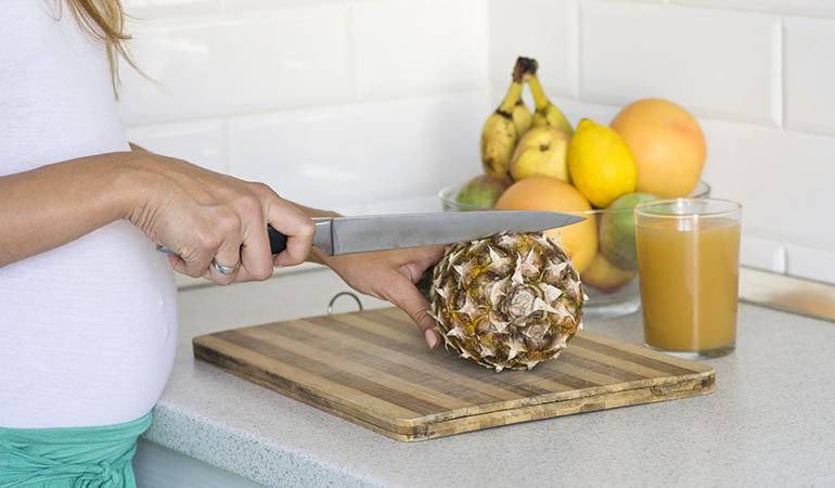 nanas untuk ibu hamil, ibu hamil makan nanas, bahaya nanas kepada ibu hamil, ibu hamil tidak digalakkan makan nanas
