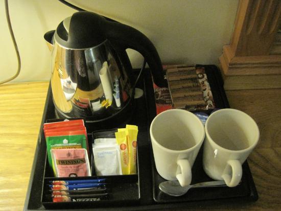 barang hotel, free gift dari hotel, free gift hotel boleh bawa balik, barang hotel bawa balik, gift hotel,