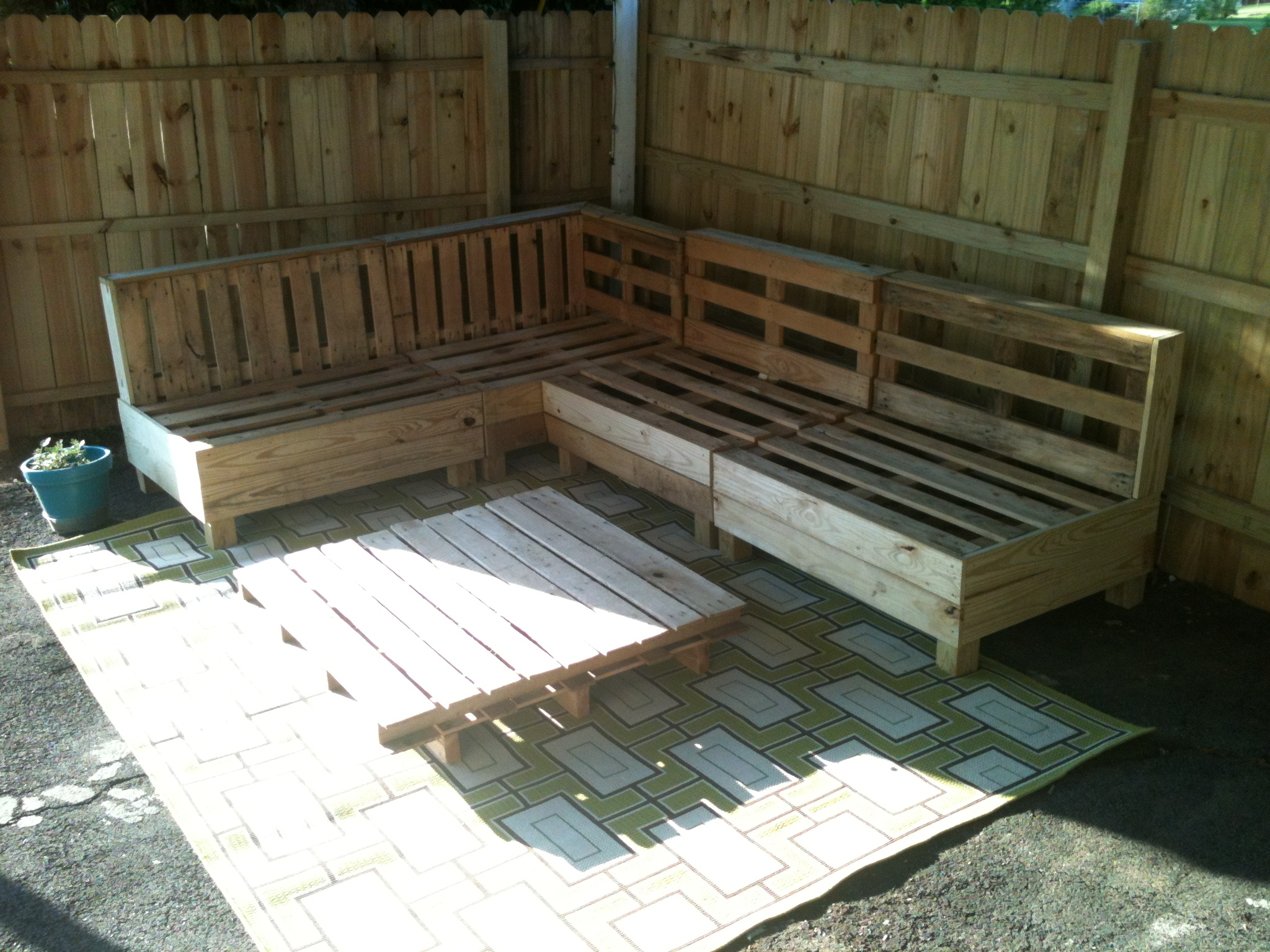 diy sofa from pallets u bed pinterest pallet cedar lane