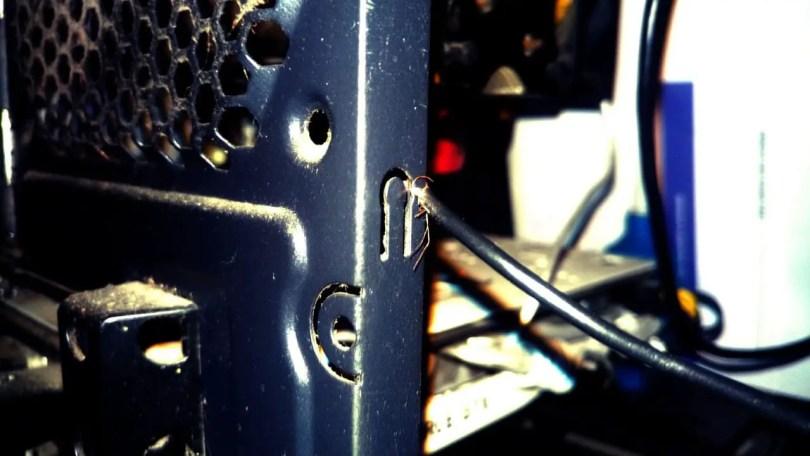 Cara Agar Casing Komputer Tidak Nyetrum