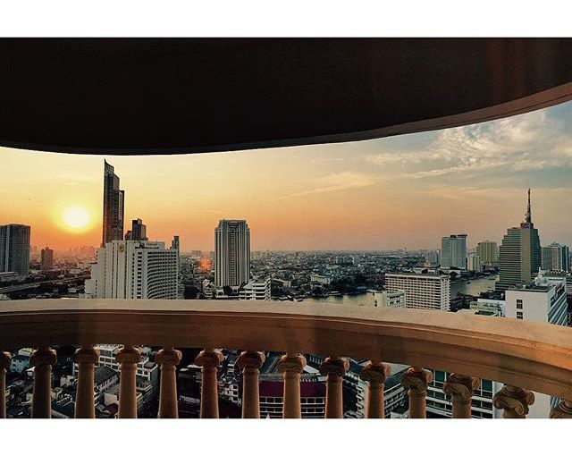 Next level: #Asia. Spending some time in this crazy city before #dnxglobal next week. A little too concrete for my taste but I have to acknowledge this view. Looking forward to the next few weeks, more green and more water. #Bangkok #Sunset #skyline #nomadworking