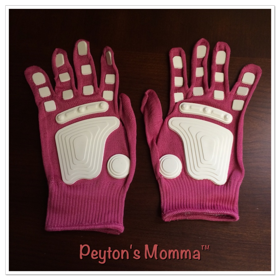 Fan Hands Pink Gloves