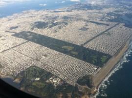 Vista aérea do Golden Gate Park, que é 20% maior que o Central Park de Nova York. Foto: Hispalois, http://creativecommons.org/licenses/by-sa/3.0/deed.en