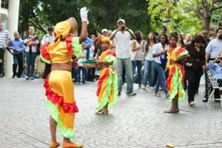 mia-simo-pezmapache-carnaval-2013-republica-dominicana-7000