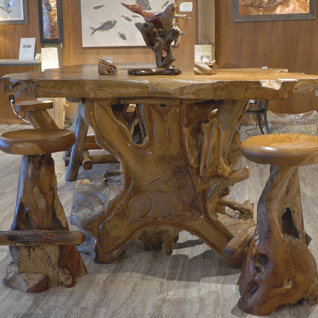 teak wood deer carving bar