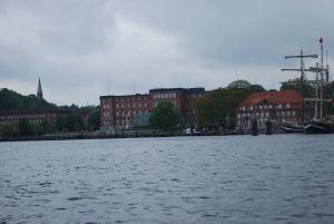 das Kieler Regierungsviertel - mal vom Wasser aus betrachtet