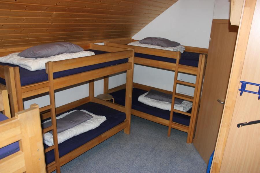 6-Bett-Schlafraum mit extra Waschraum