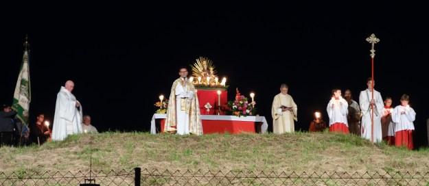 Altar der Marienfeier auf dem Hügel