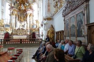 Die Besucher aus Wangen anstelle der Augustinerchorherren