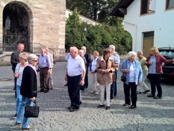 Böbing vor der Georgskirche