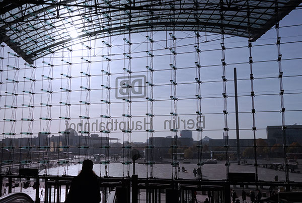 Berlin Hauptbahnhof   Cable Net Glass Facade