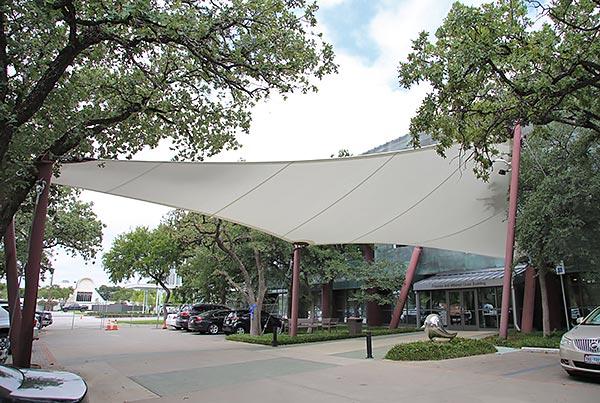 University Of Texas At Dallas Center For Brain Health | Porte-cochère