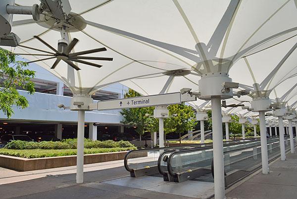 Memphis International Airport   Covered Walkway