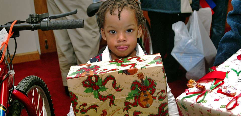 Donate Christmas Gifts To A Family