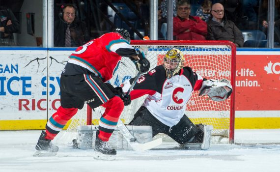 Isaiah DiLaura of the Prince George Cougars defends the net against the Kelowna Rockets on November 29, 2017 at Prospera Place in Kelowna. (Photo by Marissa Baecker/Shoot the Breeze)