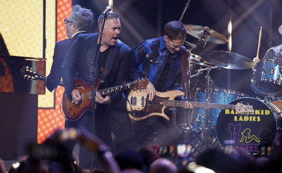 """2018 JUNO Awards. Barenaked Ladies perform """"One Week"""", """"If I had a million dollars"""" joined by other artists including Jim Cuddy, Jann Arden. March 25, 2018. Rogers Arena, Vancouver, BC. CARAS/iPhoto"""
