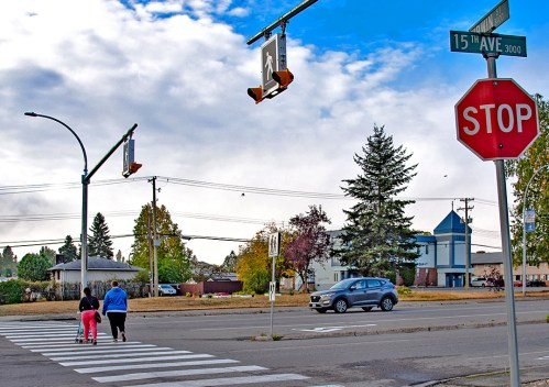 Improved traffic safety for pedestrians on major thoroughfare