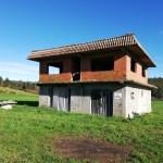 Se vende finca con construcción en Santiso