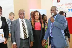 Avec les dirigeants du Programme d'Éducation Financière