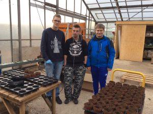 Michael, Nicolai og Michael fra Medielinjen kan nu også skrive hvidløgsplantere på visitkortet