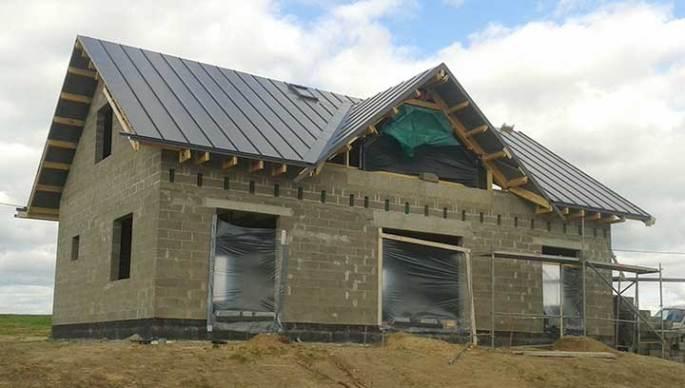 Plekk-katuse-ehitamine