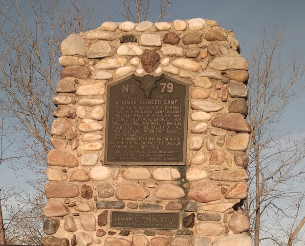 102316 mormon trail marker close up.jpg
