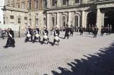 Grenadjärvakten lämnar Stockholms slott.