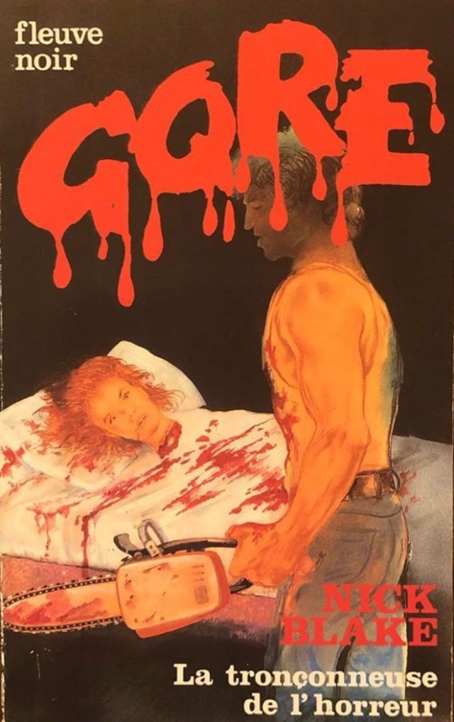 The French edition cover art featuring an illustration of a woman's decapitated head on a blood-covered bed and a shirtless man holding a chainsaw.